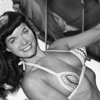 Bettie Page, Star Wars & Droïde, la PinUp dans la Pop Culture
